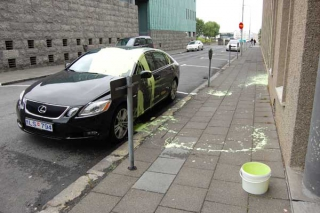 Green Luxus Car