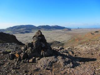 Reykjanes: Sveifluháls, next to Arnarvatn, looking down over Módalsdalur