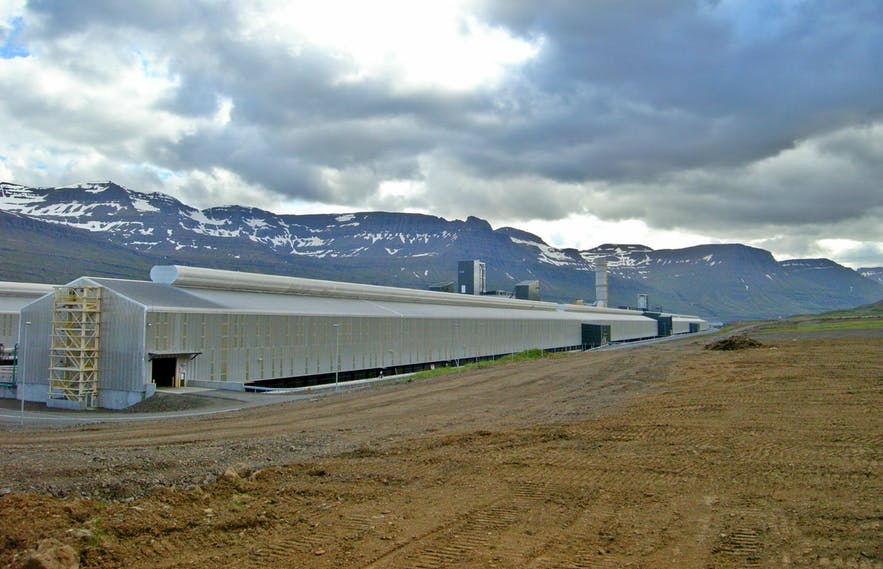 iceland-s-troubled-environment-19