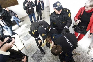 Arrest in the court during RVK9 court hearing in May 2010