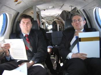 2005 - Tveir ansi trekktir með nýjustu skýrsluna frá MK?