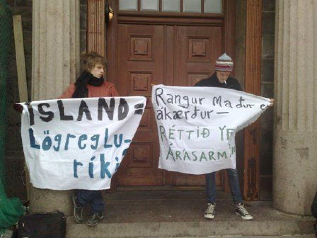 Solidarity demo for Olafur