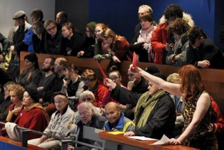 Protests in Reykjavík City Hall, as decision was made to privatise HS Orka