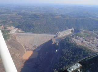campos novos - Same type as the central Karahnjukar dam